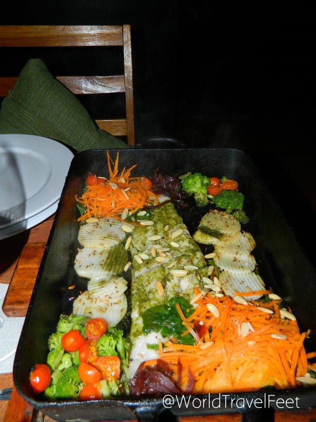 Pescado al vapor al horno, una delicia del restaurante Al Forno.