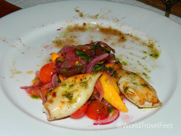Ensalada de chipirones en restaurante Al Forno.