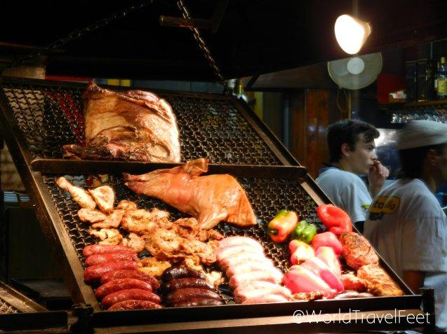 Parrilla uruguaya en el Mercado del Puerto.