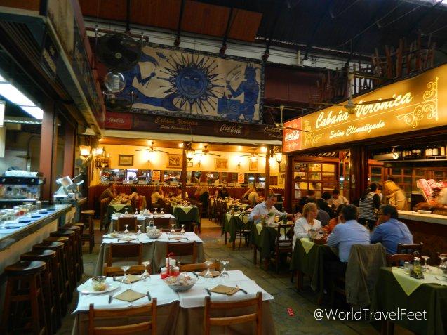 Restaurante dentro del Mercado del Puerto