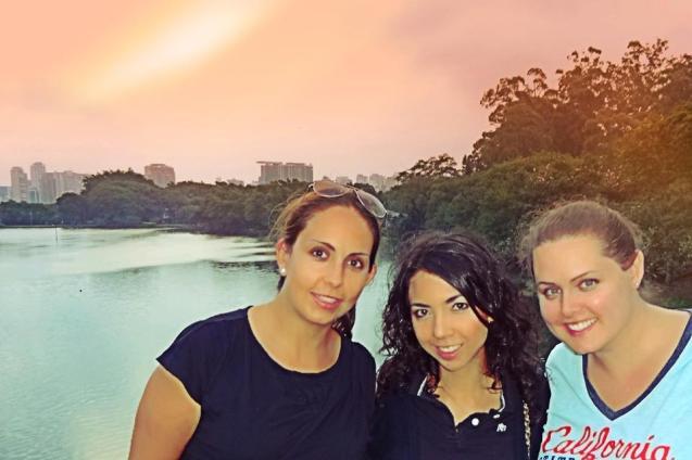 Paseando por el parque Ibierapuera con Paty y Lex.