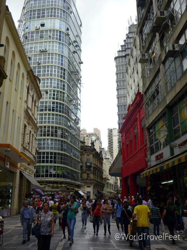 Caminando por el centro de Sao Paulo.
