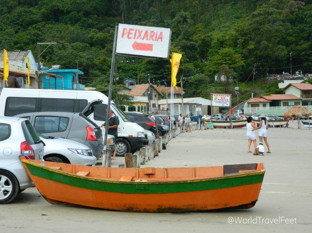 """""""Peixaria"""" - Pescadería del pueblo."""