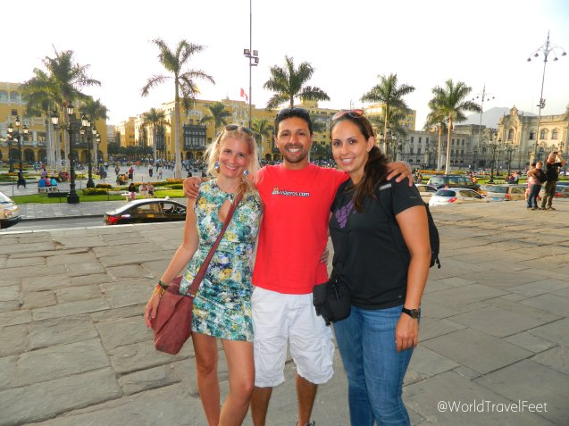 Los tres ViajeAdictos en Lima.