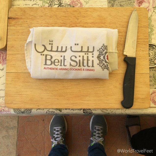 Lista para empezar a cocinar en Beit Sitti.