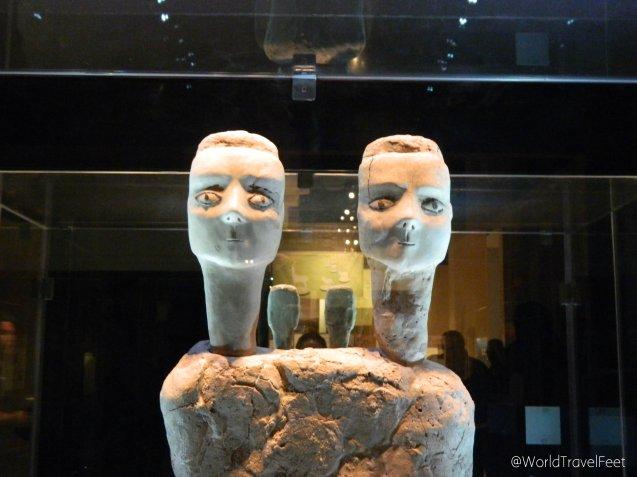 Escultura con doble cabeza del Neolítico. Se dice que es una de las piezas más antiguas del mundo ya que data del 7500 a.C.
