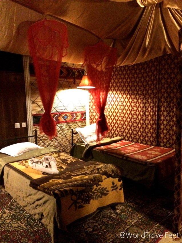 Habitación beduina de lujo, dos camas para mi solita con baño completo.