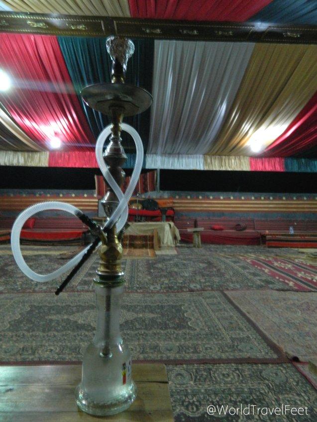 Narguila o Narguile, también conocida como Shisha o Hookah, es una pipa de tabaco y agua típica de Medio Oriente.